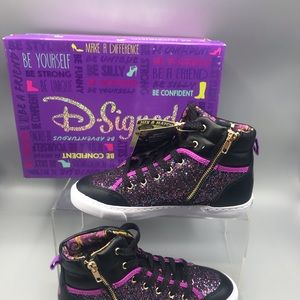 Disney D-Signed Descendants Razzle Dazzle Girls